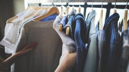 Ka riided vajavad kapis seistes hingamisruumi, mispärast on oluline kampsuneid ning muu paksema kangaga riideid aeg-ajalt tagurpidi keerata.